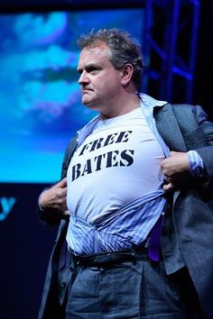 Downton Abbey's Hugh Bonneville makes quite a statement on the PBS stage
