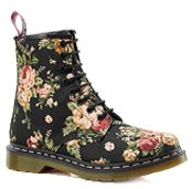 I normally don't like Doc Martens, but i love these! If worn with the right stuff of course.