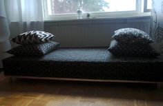 DIY sofa for dogs