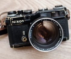 Nikon SP Rangefinder, a rare and beautiful camera, Nikon at its best. Nikon SP / Nikkor-N. Dslr Photography Tips, Photography Equipment, Film Photography, Pregnancy Photography, Landscape Photography, Wedding Photography, Fashion Photography, Antique Cameras, Vintage Cameras
