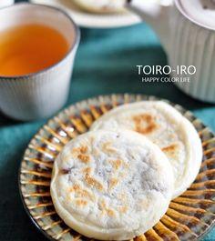 白玉粉と絹ごし豆腐、市販のあんこで作る簡単な和のおやつ。フライパンで焼くので家で焼きたての最高に美味しい梅ヶ枝餅が食べられますよ〜!!香ばしくてモッチモチ、ぜひお試しください♪