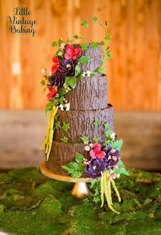 The Little Vintage Baking Company is a custom wedding cake design company sharing baking and dessert recipes, cake decorating tutorials and resources. Pretty Cakes, Beautiful Cakes, Amazing Cakes, Wedding Cake Designs, Wedding Cakes, Satin Ice Fondant, Fondant Tree, Vintage Baking, Forest Cake