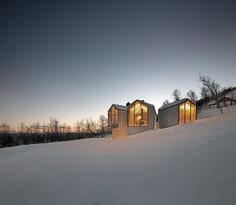 Holiday Home - Mountain Lodge in Geilo, Havsdalen, Norway. Reiulf Ramstad Arkitekter designed this beautiful mountain lodge located near the village Geilo, Contemporary Cabin, Contemporary Architecture, Contemporary Design, Modern Wooden House, Stations De Ski, Cabinet D Architecture, Net Architecture, Mountain Cottage, 3d Architectural Visualization