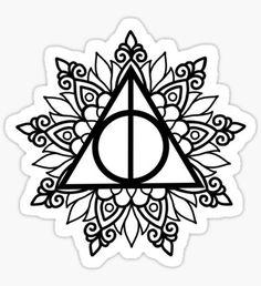 die besten 25 heiligtümer des todes tattoo ideen auf pinterest | heiligtümer des todes