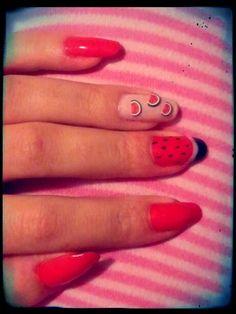 Nail art sulle mie unghie naturali.. Cocomeroooo..