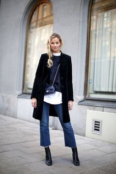 Photos via: Anouk Yve | Shit And Chanel The go-to denim and boot mix for fall is hands down a pair of cropped flare jeans with frayed hems worn with sleek, tall ankle boots. Anouk and Anna show a styl
