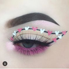 "5,854 Likes, 30 Comments - dιѕcoverιng тнe υndιѕcovered (@undiscovered_muas) on Instagram: ""Super cute! (artist tagged) ❤️❤️❤️-WR _______________________________________________________…"""