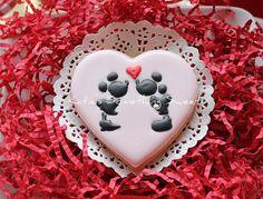 .Valentine kiss cookies