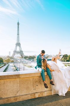 Discover why travelling as a couple is super important and how to make sure your romantic trip is perfect for your relationship! Learn how to become a powerful travel couple and so much more! Romantic Destinations, Romantic Travel, Travel Destinations, Amazing Photography, Travel Photography, Full Moon Party, Wtf Face, Going On A Trip, Travel Couple