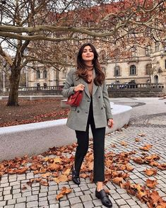 new favorite suit check out my Black Friday haul in my stories ✨ Paris Outfits, Preppy Outfits, Winter Fashion Outfits, Classy Outfits, Chic Outfits, Autumn Winter Fashion, Spring Outfits, Winter Mode, Parisian Style