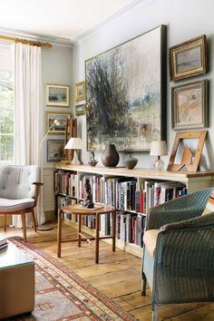 Praktisch, stilvoll, gemütlich: Niedrige Bücherregale bilden auch ...