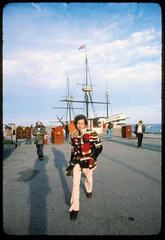 Dylan in front of the mayflower