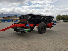 Black Diamond Spreader               Patent nom: 2016/06509 Bank and Surface spreader , fully hydrolic adjustable conveyers and spinners (no chains) Table farms and Citrus and wine farms .Gps 15042107_640757466049509_2389077462515280925_o.jpg (1440×1080)