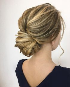 Get inspired by these Gorgeous Wedding Hairstyles from updo to wedding hairstyles down are perfect for Every Length,prom hairstyles,bridesmaid hairstyles #weddinghairstyles