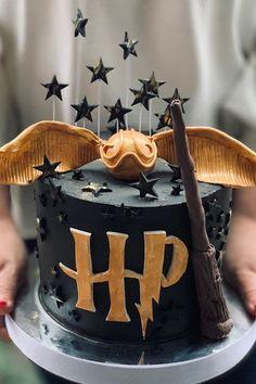 Harry Potter Desserts, Bolo Harry Potter, Gateau Harry Potter, Harry Potter Birthday Cake, Harry Potter Girl, Harry Potter Birthday Invitation, Harry Potter Theme Cake, Harry Potter Cookie Cutter, Birthday Cake Girls