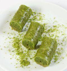Fıstık Dolama Armenian Recipes, Armenian Food, Turkish Recipes, Ethnic Recipes, Eid Cakes, Sweet Dreams, Geography, Middle, Pasta