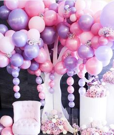 I am in Awe by this set up everything about it is perfect. #balloons #babyshower #babygirl #event #birthday #decor #flowers #love #instagood #mommytobe #newborn #kidsbirthday