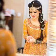 Pakistani Wedding Dresses Designs For Mehndi, Barat, Walima With Pictures Pakistani Mehndi Dress, Pakistani Wedding Outfits, Pakistani Bridal, Pakistani Dresses, Indian Dresses, Desi Bride, Desi Wedding, India Wedding, Wedding Wear