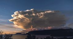 Jaw-dropping 4K timelapse of the Calbuco Volcano erupting in Chile