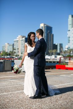A beautiful shot with Downtown San Diego in the background | Anika London Photography