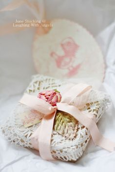 diy gift wrapping ideas  | Beautifully gift wrapped in a doily and ribbon