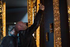 Cork light è la prima serie di lampade interamente rivestite in sughero. La collezione riprende, stilizzandole con elementi geometrici semplici, le forme delle querce da sughero, portando in città la suggestione delle foreste portoghesi.  Il risultato è una lampada che crea un'atmosfera unica, immediatamente riconoscibile, non comparabile con altri prodotti attualmente in commercio.
