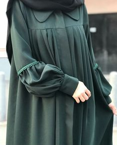 Hijab For You: A Room With All The Trimmings Article Body: Just as a necktie establishes the style o Moslem Fashion, Niqab Fashion, Fashion Outfits, Dress Fashion, Hijab Style Dress, Casual Hijab Outfit, Hijab Chic, Estilo Abaya, Mode Abaya