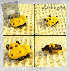 Bouton hippopotame jaune et noir. Les boutons rétro, vintage de La Gorgone. : Boutons par la-gorgone