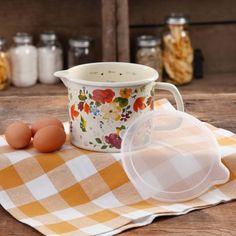 The Pioneer Woman 6-Cup Timeless Floral Decorated Enamel-On-Steel Measuring Pitcher with Lid - Walmart.com