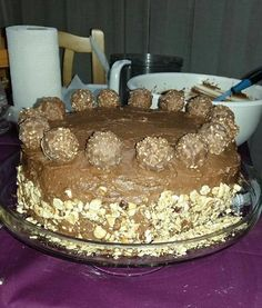 ferrero persoiu ioana Andreia Ferrero Rocher, Diva, Desserts, Food, Romanian Recipes, Tailgate Desserts, Deserts, Eten, Divas