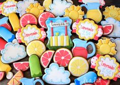 Pink Lemonade Cookies! Learn how to make a decorated centerpiece sugar cookie with royal icing and stencils! ~ LilaLoa