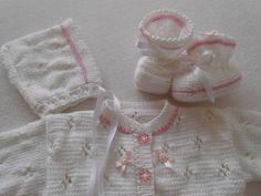 Jacken - Babygarnitur 3-teilig Gr. 56-62 - ein Designerstück von strickenmanu bei DaWanda