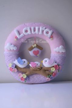 Guirlanda de Feltro - Pássaros Kids Crafts, Baby Crafts, Felt Crafts, Diy And Crafts, Baby Decor, Nursery Decor, Sewing Projects, Projects To Try, Felt Banner