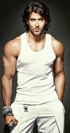 Bollywood, Tollywood & Más: Hrithik Roshan Dabboo Ratnani Hi Everyone, Please check latest bolloywood things here. Indian Celebrities, Bollywood Celebrities, Bollywood Actress, Bollywood Stars, Hrithik Roshan Hairstyle, Photography Poses For Men, Hommes Sexy, Most Handsome Men, Actor Photo