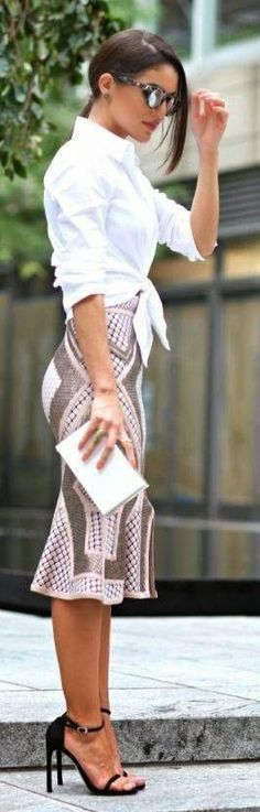 Curating Fashion & Style: Elegance The style of this skirt is very flattering on me, but don't like this pattern/print