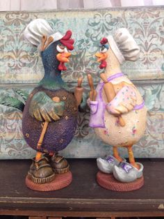 Polymer clay. Masa flexible. Pasta francesa. Fimo. Cernit. Cold porcelain Chicken Crafts, Chicken Art, Pasta Piedra, Hand Painted Gourds, Carving Designs, Clay Baby, Gourd Art, Diy Clay, Paper Clay