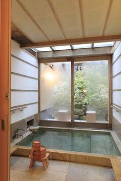 décoration japonais, murs en verre, salle de bain avec décoration japonais