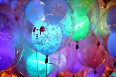 Image via We Heart It https://weheartit.com/entry/151932473 #balloon #christmas #colorful #disney #mickeymouse #neon #snow