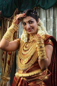 Latest Indian Gold and Diamond Jewellery Designs: kerala wedding jewellery collection Kerala Bride, Hindu Bride, South Indian Bride, Indian Wedding Jewelry, Indian Bridal Wear, Bridal Jewelry, Gold Jewellery, Indian Jewelry, Jewellery Designs