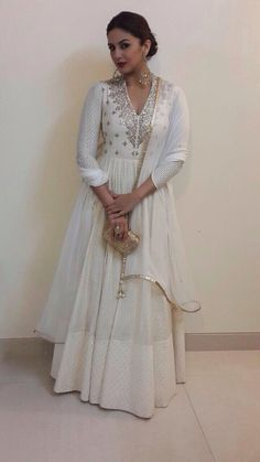 Actor @HumasQureshi Gorgeous at engagement of Designer @MasabaG (march, 15)