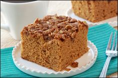 Hungry Girl recipe for guilt-free Pumpkin Coffee Cake. Only 166 calories per serving) Low Calorie Recipes, Ww Recipes, Cake Recipes, Dessert Recipes, Breakfast Recipes, Budget Recipes, Breakfast Ideas, Pumpkin Coffee Cakes, Pumpkin Pies