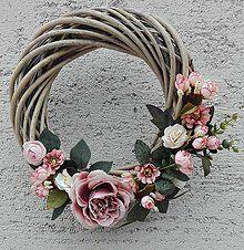 Dekorácie - Veniec na dvere - 7759985_ Spring Door Wreaths, Summer Wreath, Wreaths For Front Door, Diy Wreath, Grapevine Wreath, Rustic Fabric, Decoupage Vintage, Burlap Bows, Crochet Flowers