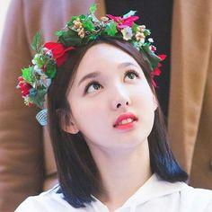 I'm so jealous because of this one girl she's more and more beautiful everyday . . #nayeon #imnayeon #nayeontwice #twicenayeon #twice #once #jypentertainment #임나연 #나연 #트와이스 #나연트와이스 #트와이스나연