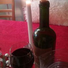 KOTI, Ruoka&Juomat. Yleensa Ruoka JUOMA VESI. JOULUNA Uusi&Viinilehti Suositteli...Punaviini Luici Bocsa, Argentiinasta. Herkullinen, Täyteläinen ja hyvä Maku. Sopii Kunkun kanssa ja sellaisenaan. TYKKÄÄN. SUOSITTELEN. @viinilehti @viinimaaa #ruokajajuoma #blogi  #blogilates #juomat #viinit #viini #joulu❤ #joulu #ruoka 🍷👌⌚🎵🌹❤☺😉🎄🔔🎅