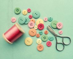 Sewing Things by simplyhue on Etsy Sewing Hacks, Sewing Crafts, Sewing Projects, Diy Projects, Button Cards, Button Button, Button Eyes, Love Sewing, Pretty Pastel
