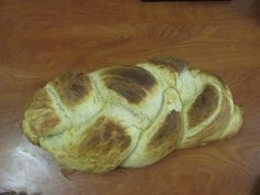 Is there anything in this world better than freshly baked homemade bread? The recipe I am about to share is a family favourite. I usually make this bread early Saturday morning when my brother h… Challah Bread Recipes, Freshly Baked, Homemade, Baking, Food, Bakken, Home Made, Bread, Diy Crafts