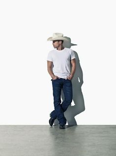 Dustin Lynch...if he ain't the next George Straight then I'll be damned!