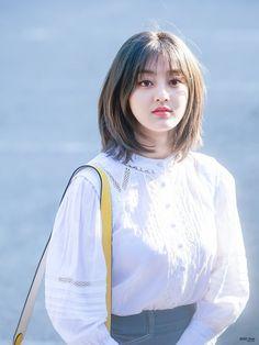 """트위터의 MOZZI House 님: """"190503 뮤직뱅크 #TWICE #트와이스 #JIHYO #지효 #ジヒョ #จีฮโย… """" Korean Short Hair, Korean Girl, Kpop Girls, Kpop Girl Groups, Sana Momo, Shot Hair Styles, Jihyo Twice, Wendy Red Velvet, Asian Hair"""