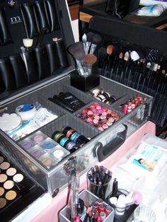 Beginner's guide to organizing a makeup collection