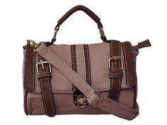 #bolsas #bag #bolsa feminina Charmosa e super feminina esta bolsa é ideal para compor produções românticas e cheias de estilo.